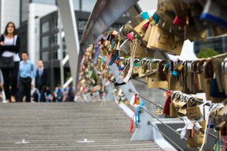 Melbourne's 'love' bridge